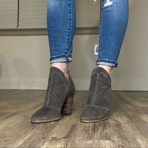 Vince Camuto Flunna Booties